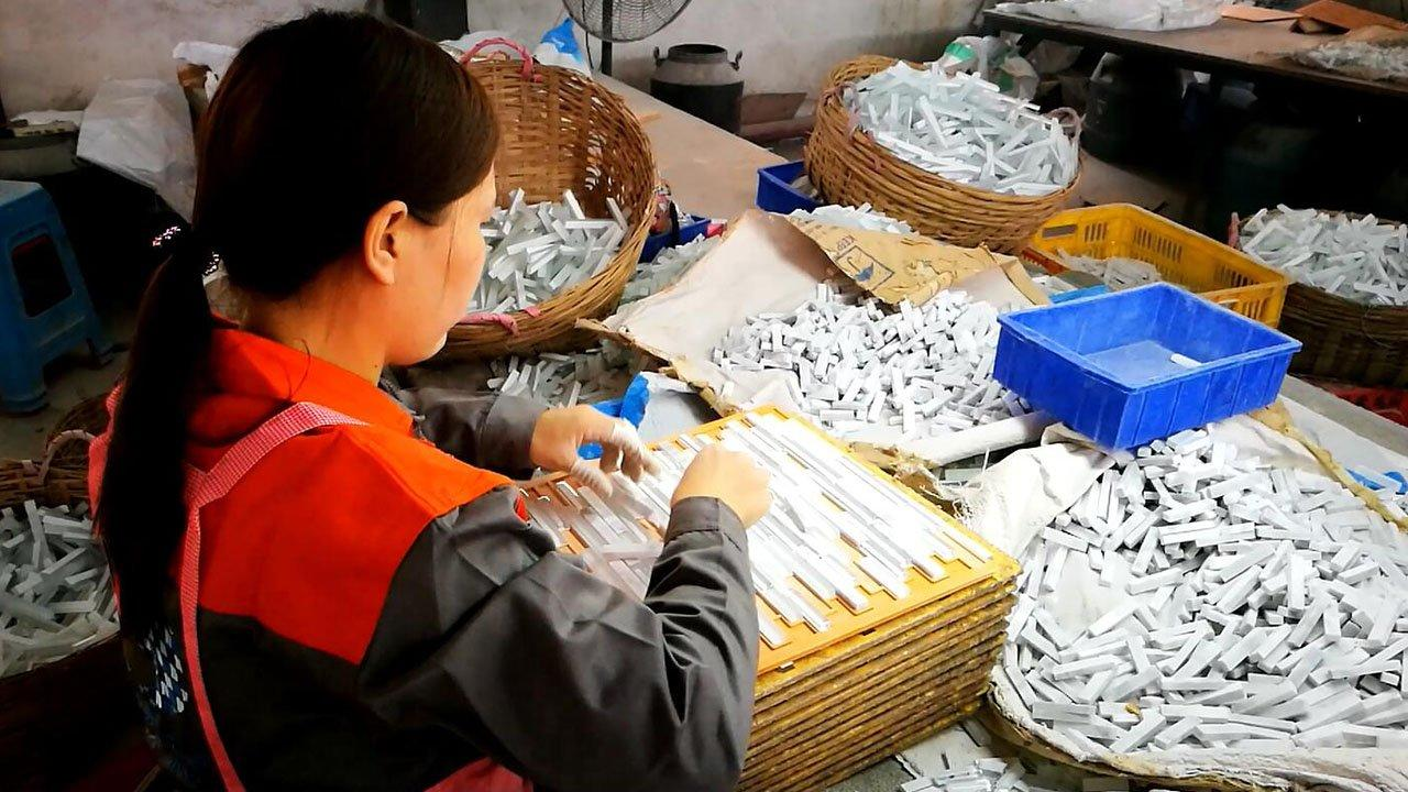 Glass stone mosaic factory in Foshan-How to produce glass stone mosaic