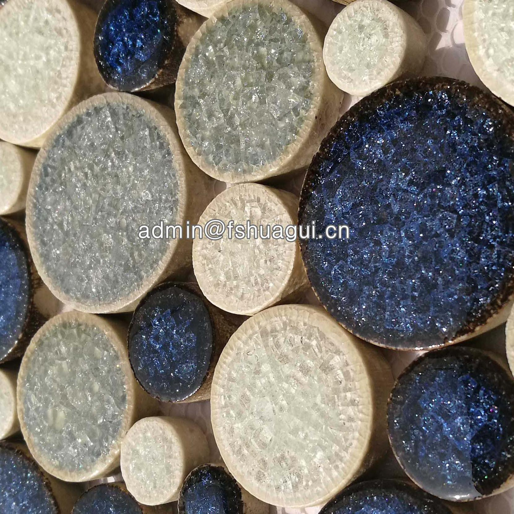 Blue and white color round pebble ceramic mosaic tiles for swimming pool